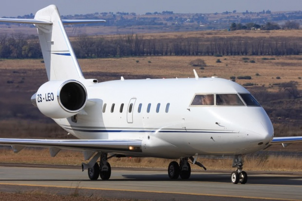 Private Jet Charter Challenger 604 ZSLEO
